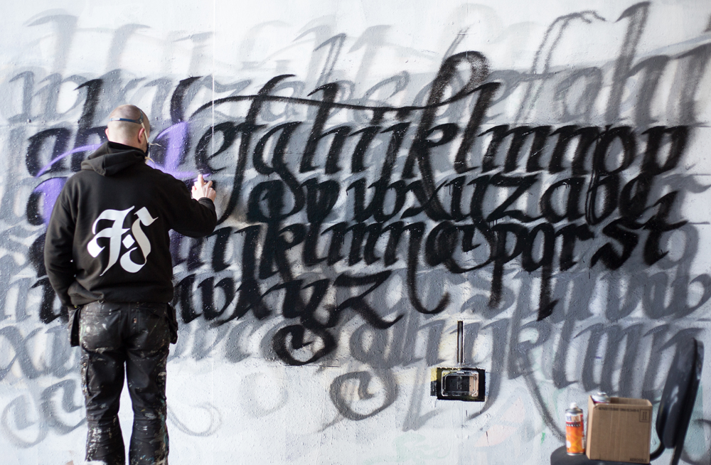Frank Styles Calligraffiti Spray Paint Calligraphy